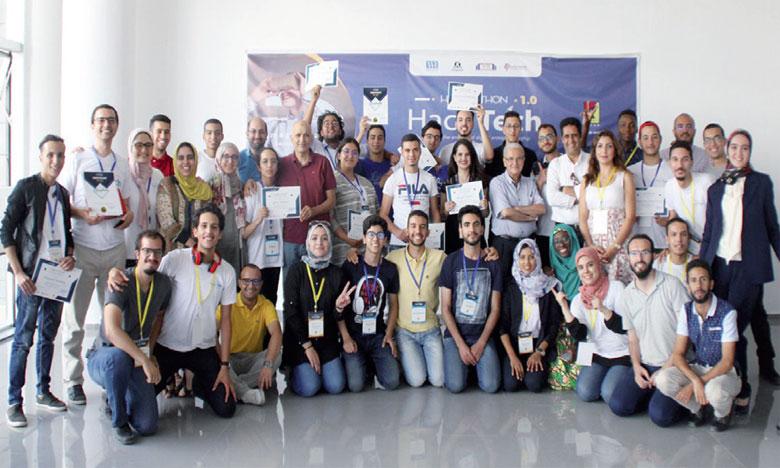 Hack-Tech a pour ambition de permettre à toute personne de vivre l'aventure entrepreneuriale tout en étant acteur  de changement dans la région.