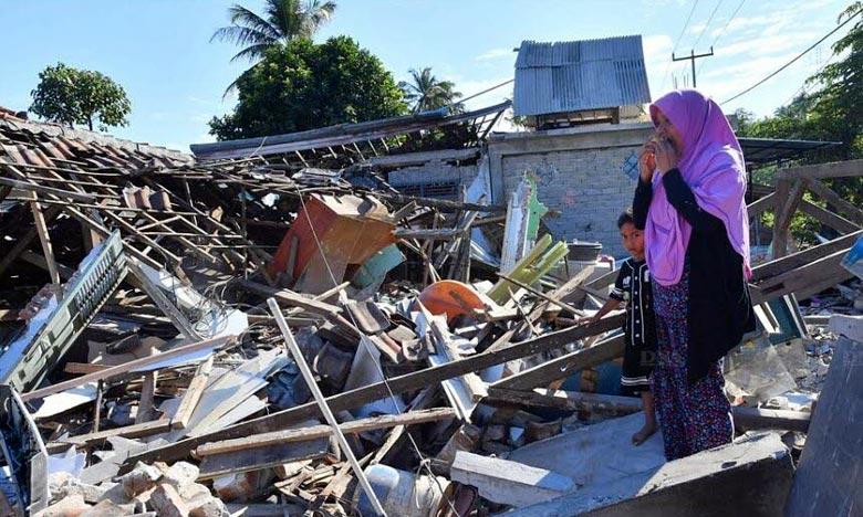 Le bilan du violent séisme qui a frappé dimanche l'île de Lombok, dans le sud de l'Indonésie, est monté à 131 morts. Ph : AFP
