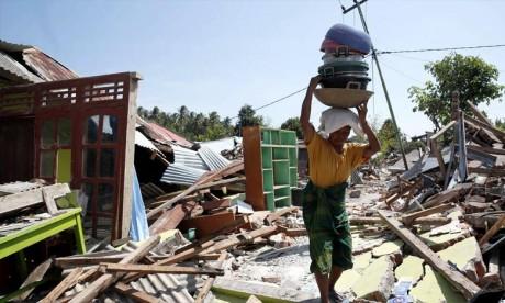 Quelque 392 personnes ont péri dans le séisme, selon un dernier bilan communiqué dimanche par la BNPB, qui précise que 334 morts ont été enregistrés au nord de Lombok. Ph : AFP