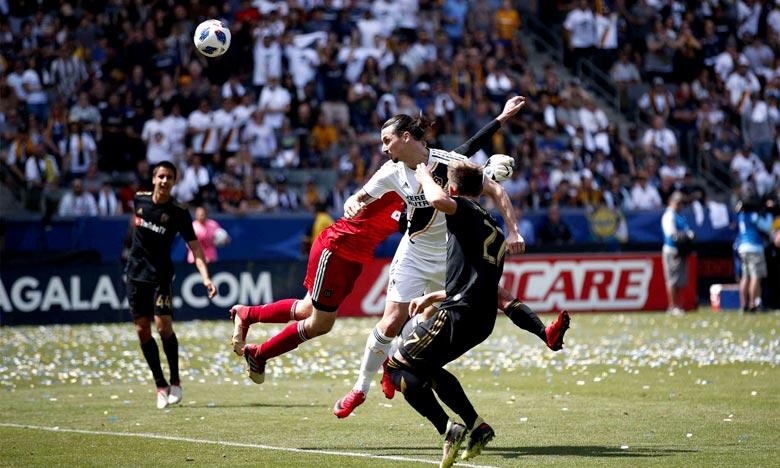 L'attaquant du Galaxy de Los Angeles Zlatan Ibrahimovic a écopé d'une amende pour avoir mis sa main au visage d'un adversaire durant le match de contre le Los Angeles FC. Ph : AFP