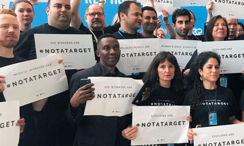 Des employés réunis au siège de l'ONU pour attirer l'attention sur le fait que les civils ne sont pas une cible.