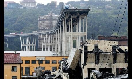 Pont effondré de Gênes: Les secours poursuivent leurs recherches ce jeudi