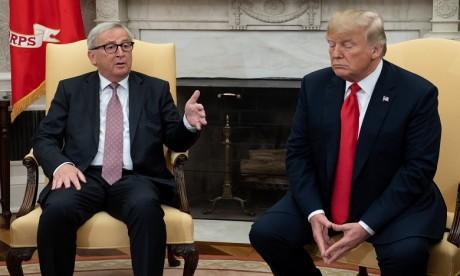 """Qu'est-ce que la """"loi de blocage"""" adoptée par l'UE contre les Etats-Unis ?"""
