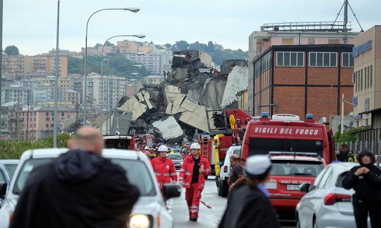 L'effondrement d'un pont autoroutier à Gênes fait au moins 35 morts
