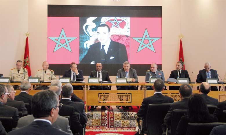 Le ministre de l'Intérieur se réunit à Tétouan avec les walis des régions et les gouverneurs des provinces, des préfectures et des préfectures d'arrondissement du Royaume