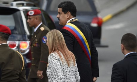 Nicolas Maduro sort indemne d'une tentative d'attentat à l'explosif