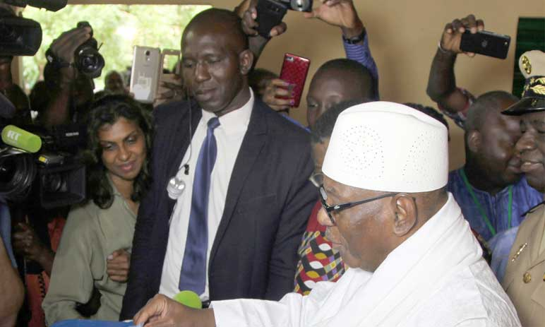 Second tour entre le Président sortant  et le chef de l'opposition