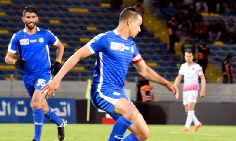 Les deux réalisations de l'Olympique Club de Khouribga (OCK) contre le Moghreb Atletico de Tetuan (MAT) ont été l'œuvre de Reda El Hajhouj (14e min) et de Mehdi El Malki (36e). Ph : Seddik