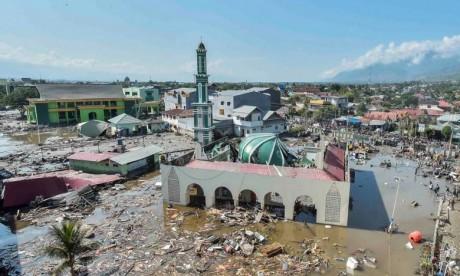 Tsunami : Plus de 800 morts, le bilan devrait s'alourdir