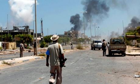 Les affrontements armés éclatés dans le sud de Tripoli ont fait 78 morts, 313 blessés et 16 disparus, alors que 150 familles ont été secourues. Ph : AFP