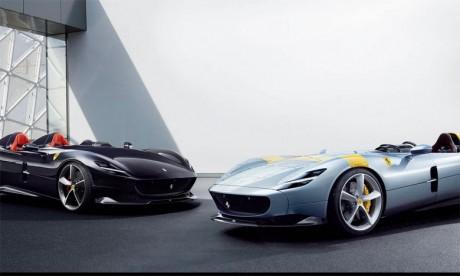 Vendus au maximum à 500 exemplaires, les Ferrari Monza SP1 et SP2 s'inspirent de la célèbre  «Barchetta» de compétition, mais avec une puissance et des matériaux modernes.