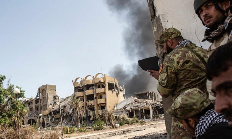 Après les affrontements et l'attaque de Daech contre le siège de la Compagnie nationale de pétrole,  des roquettes se sont abattues dans la nuit de mardi à mercredi près du seul aéroport de Tripoli.   Ph. DR