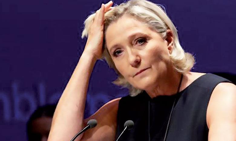 Mise en examen après la diffusion d'images d'exécutions commises par le groupe terroriste «État islamique», Marine Le Pen refuse de se plier à une l'expertise psychiatrique demandée avant son jugement.                     Ph. Reuters