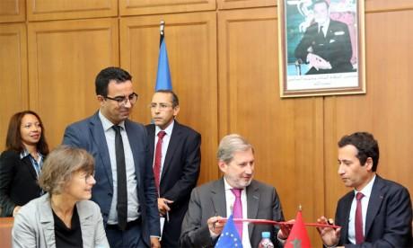 2,34 milliards de DH pour renforcer les programmes «Compétitivité et croissance verte» et «d'appui à la réforme de la protection sociale au Maroc»