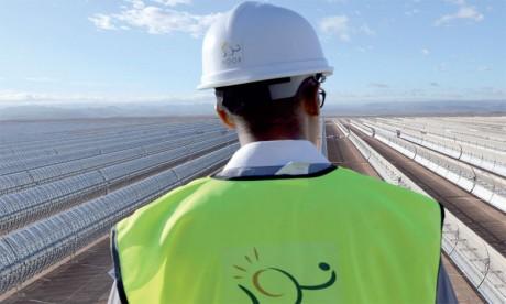 Fenie Brossette fournit  les échafaudages de la tour solaire