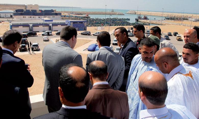 Lundi et mardi, le ministre a visité plusieurs chantiers dans la région de Laâyoune-Sakia El Hamra.                 Ph. Map