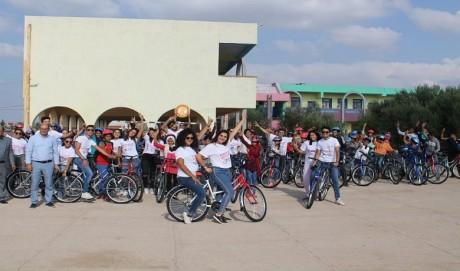 Distribution de 100 vélos au profit des collégiens dans la commune d'El Hajeb