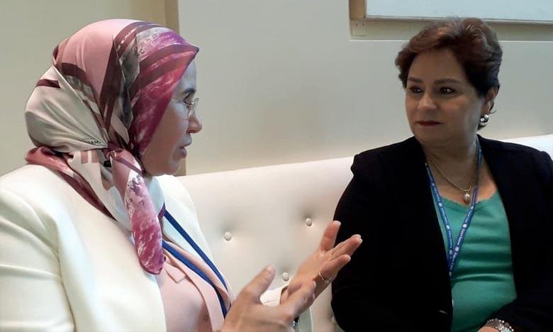 La secrétaire d'État chargée du Développement durable, Nezha El Ouafi et la secrétaire exécutive de la CCNUCC, Patricia Espinosa. Ph : DR