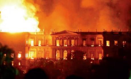 Indignation générale après l'incendie du Musée  national de Rio