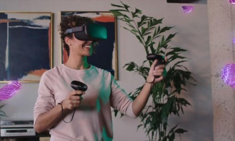 Le nouveau casque de réalité virtuelle (VR) sans fil «Oculus Quest» doit précisément accélérer l'adoption de la VR en la rendant plus pratique et portable. Ph : AFP