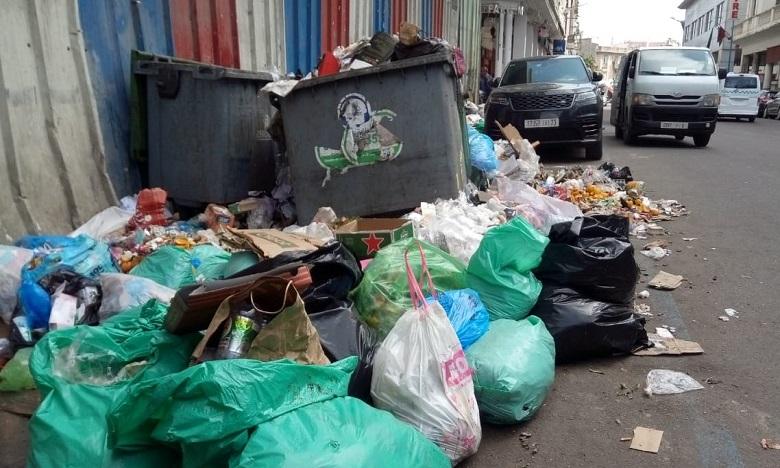 Grève des éboueurs : Casablanca envahie par les déchets