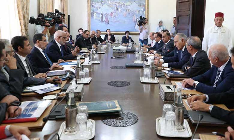 Les deux parties relèvent que cette réunion visait à renforcer la dynamique de l'action commune, dans le cadre d'une démarche volontariste, et à dégager les mesures à même de consolider la confiance des acteurs économiques.       Ph. MAP