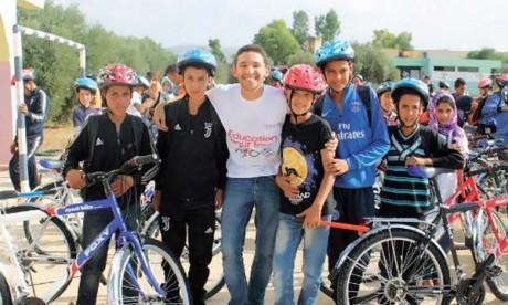 Le Rotaract Club Hippocrate organise une caravane  humanitaire dans la commune d'El Hajeb