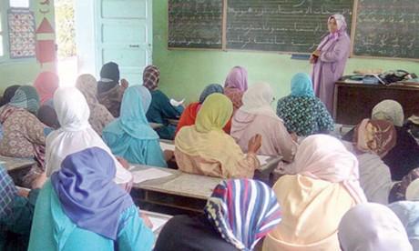 L'alphabétisation, tremplin pour améliorer les compétences et contribuer  à rendre les sociétés équitables et durables