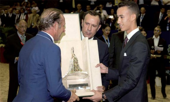 S.A.R. le Prince Héritier Moulay El Hassan préside la cérémonie de remise du Grand Prix S.M. le Roi Mohammed VI de saut d'obstacles