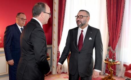S.M. le Roi félicite Abdelhakim Benchamach à l'occasion de sa réélection à la tête de la Chambre des conseillers