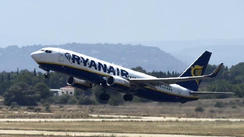 Ryanair calme le jeu et signe des accords