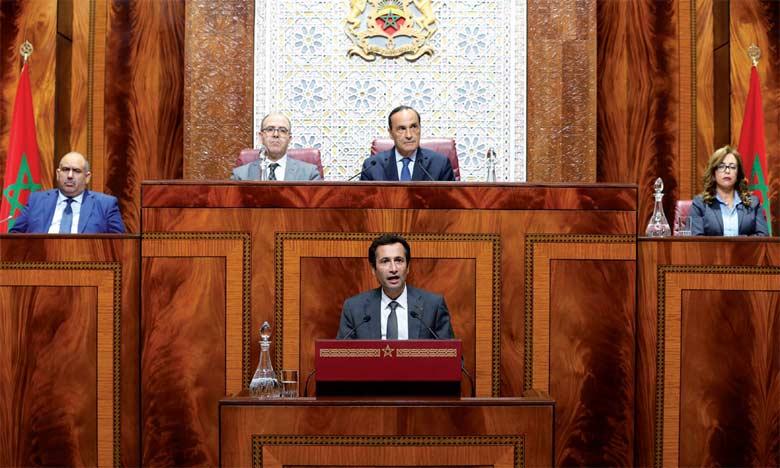 Mohamed Benchaaboun a annoncé «un fort soutien» à l'investissement public, le ministre a assuré que «pas moins de 195 milliards de DH seront alloués aux stratégies sectorielles et à la mise en œuvre des grands chantiers d'infrastructure».