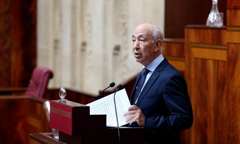 Le premier président de la Cour des comptes, Driss Jettou, a recommandé à l'Exécutif de veiller à l'élargissement de l'assiette fiscale et à la maîtrise des dépenses. Ph : MAP