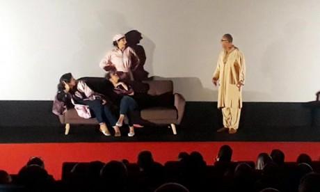 Le réalisateur Hicham El Jebbari s'est réjoui de l'accueil et de l'hospitalité de la communauté marocaine installée à Abidjan. Ph : MAP