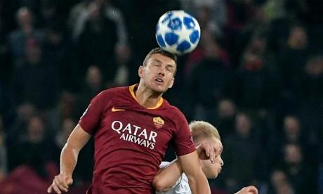 Dzeko rejoint Messi avec cinq buts