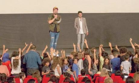 Jamel Debbouze a fait une surprise à son public en rejoignant Kev Adams au Cinéma Colisée à Marrakech après la projection de «Alad'2».