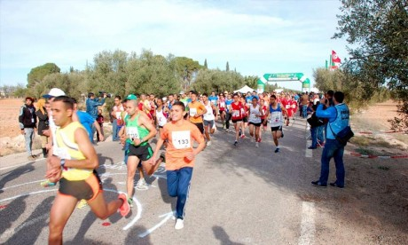 La Marocaine Jehiri et l'Ougandais Kiprop remportent le semi-marathon international de Sfax