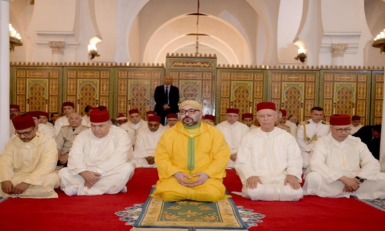 Sa Majesté le Roi Mohammed VI, Amir Al Mouminine, accomplit la prière du vendredi à la mosquée Koutoubia à Marrakech