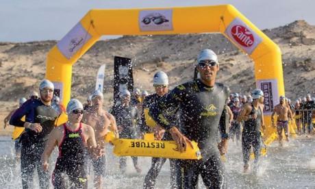 Cent vingt-quatre nageurs représentant 20 pays attendus à Dakhla