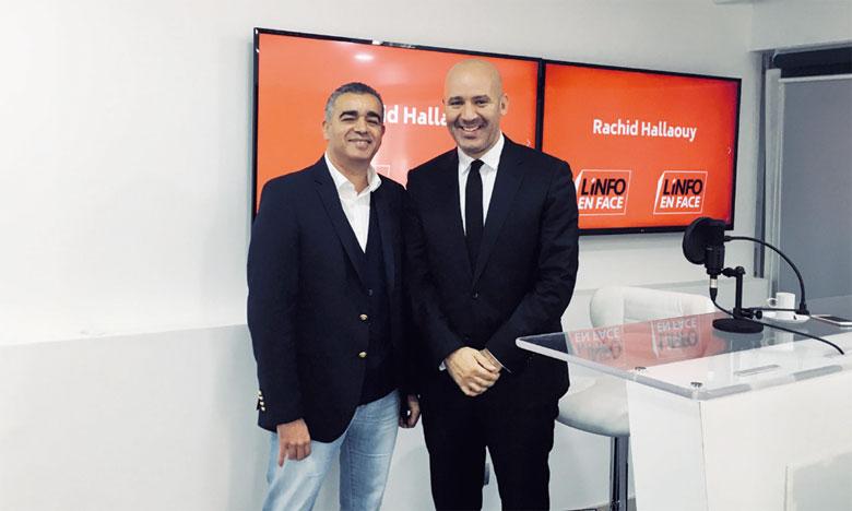 Me Mohamed Oulkhouir (à droite) était l'invité de Rachid  Hallaouy dans L'info en Face.                                                              Ph. Saouri