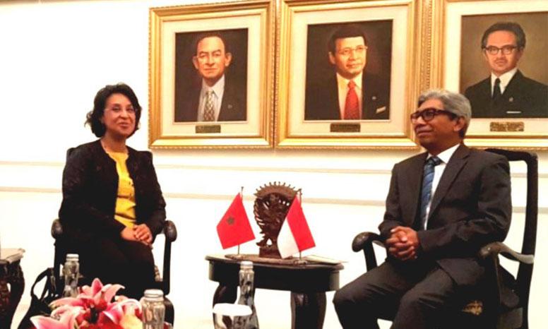 Mounia Boucetta et Abdurrahman Mohammad Fachir ont signé cinq accords et mémorandums pour la promotion de la coopération bilatérale dans plusieurs secteurs d'activité.