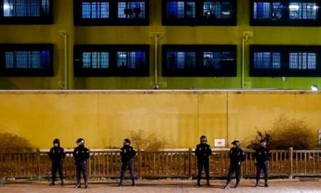 11 policiers blessés dans une tentative d'évasion de migrants algériens à Madrid