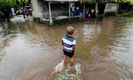 Des pluies torrentielles ont commencé à s'abattre sur le pays et devraient se poursuivre sous l'influence des basses pressions. Des dégâts ont été constatés dans 1.412 maisons inondées, dont 9 ont été entièrement détruites. Ph : AFP
