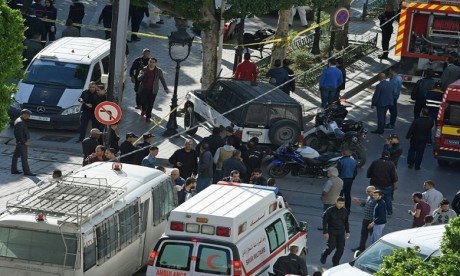 Plusieurs blessés dans l'attaque suicide au centre de ville de Tunis