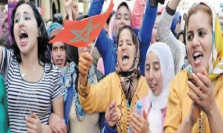Malgès les avancées de ces dernières années en matière de droits des femmes, celles-ci souffrent encore  de précarité et de violence.