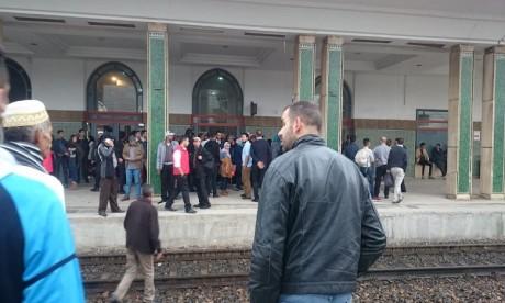 Grogne des voyageurs dans plusieurs gares ferroviaires