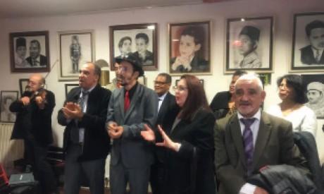 Yahya Abou Nizar se distingue par une collection d'œuvres sur la Famille Royale