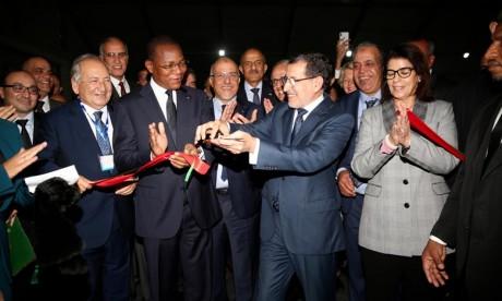 El Othmani a fait savoir que le SIB 2018 constitue l'un des événements phares du secteur de la construction sur la scène internationale, reflétant ainsi l'intérêt qu'accordent le gouvernement, les pouvoirs publics, les entreprises et l'ensemble des acteurs concernés au le développement du secteur. Ph : DR