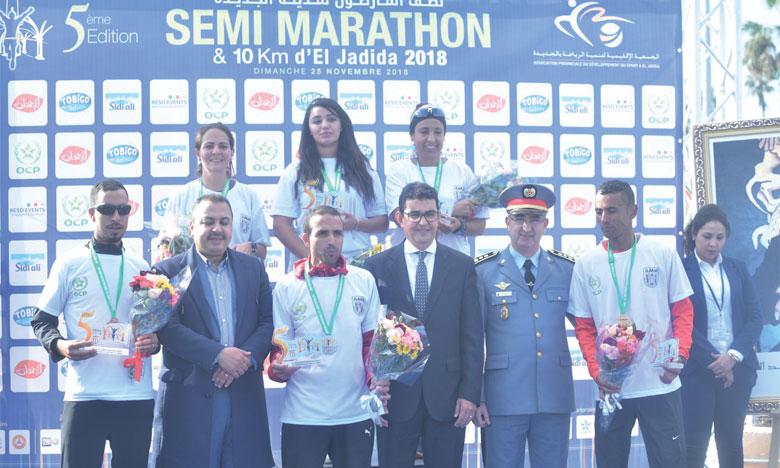 Plus de 900 coureurs ont foulé les artères d'El Jadida