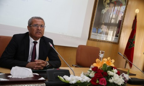 Mohamed Benabdelkader a relevé que l'administration constitue une composante essentielle du modèle de développement et représente un outil pour le mettre en application. Ph : DR